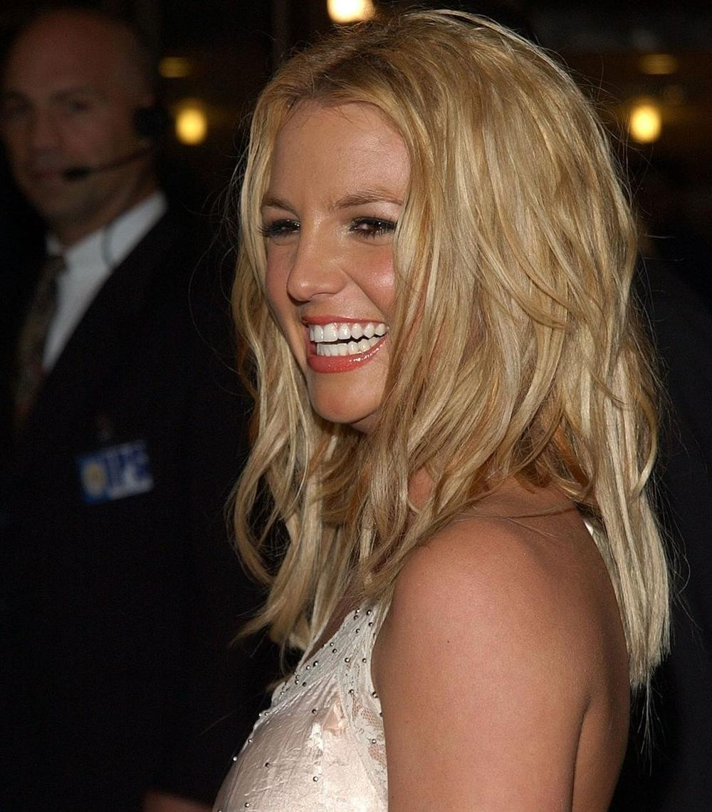 Бритни Спирс објави фотка по естетскиот зафат  фановите не престануваат да коментираат